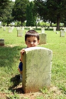 можно ли детей брать на кладбище