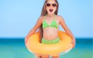 Детские надувные круги, детские нарукавники для плавания, жилеты – что выбрать?