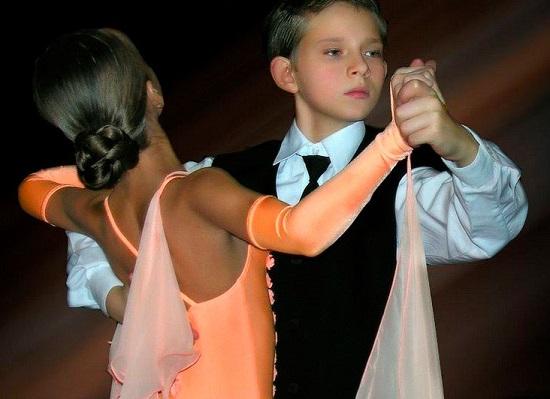 детские платья для бальных танцев