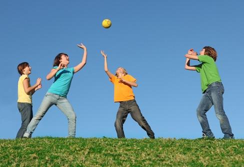 подвижная игра с мячом