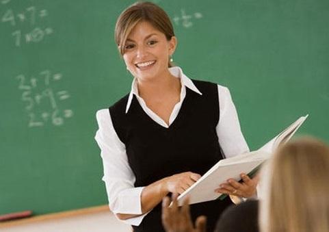 что можно подарить учителю